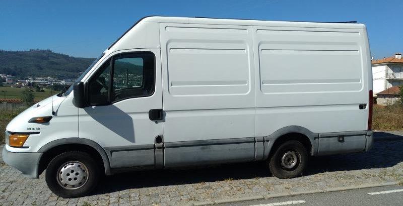 Iveco de mercadorias Penhorada Licite por 2286 euros 1