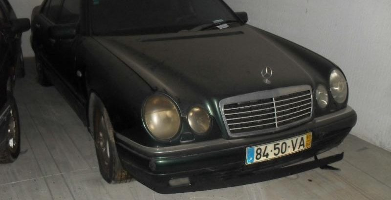 Mercedes E300 Penhorado 1