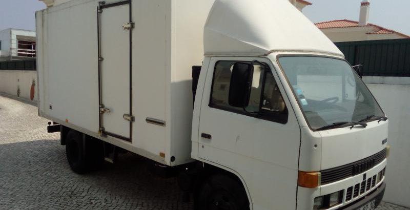 Bedford de mercadorias Penhorada Licite por 840 euros 175