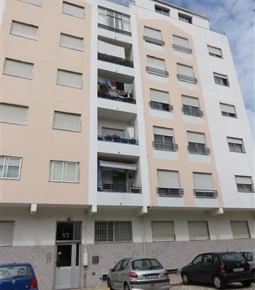 Imóvel com 3 divisões em Leilão Licite por 57169 euros 38