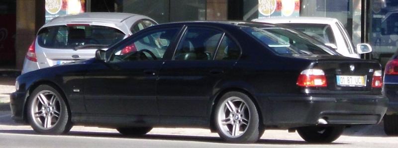 Bmw 525 de 2002 em Leilão Licite por 2975 euros 105