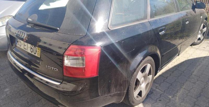 Penhorado finanças Audi A4 de 2007 em leilão licite por 2152 euros 158