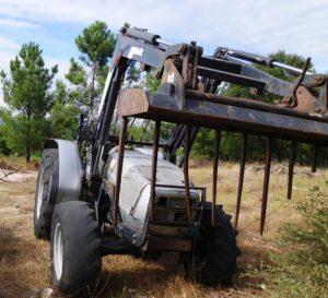 Tractor Agrícola penhorado
