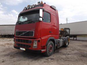 Camião Penhorado Volvo em Leilão por 7800 euros 2