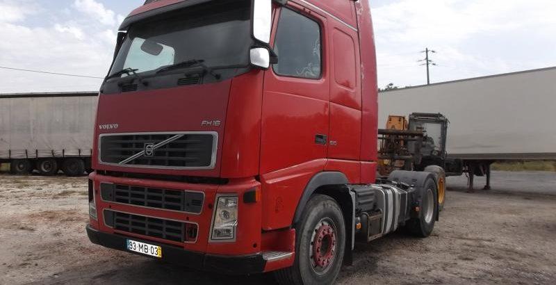 Camião Penhorado Volvo em Leilão por 7800 euros 1