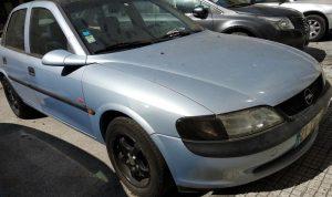 Leilão Finanças Opel Vectra Licite por 1 euro 4