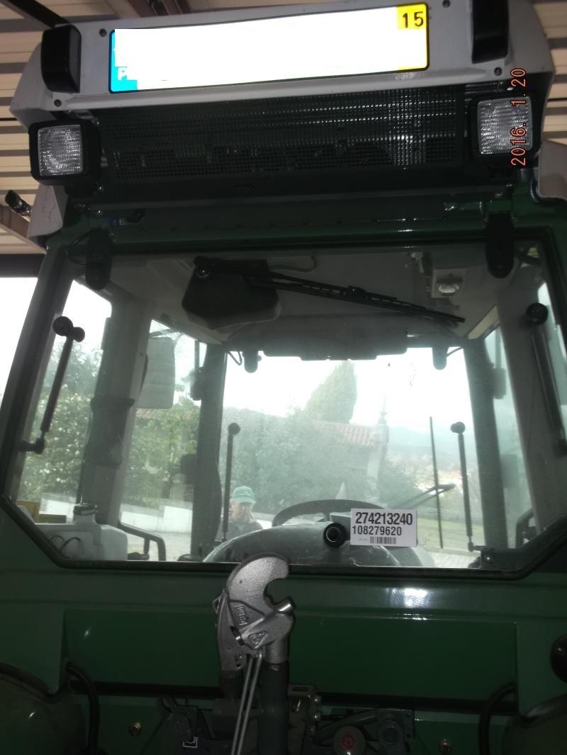 Tractor penhorado finanças