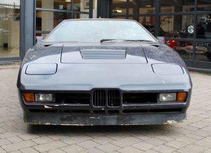 BMW M1 raro descoberto num celeiro vai a leilão 1
