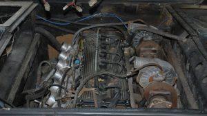 BMW M1 raro descoberto num celeiro vai a leilão 4