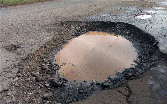 estragou um pneu na estrada