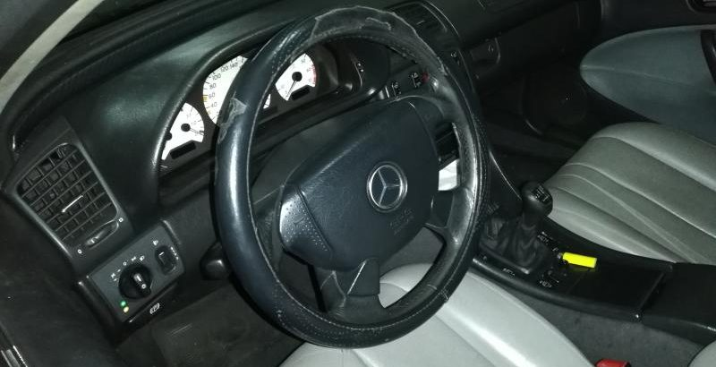 mercedes CLK cabrio penhorado